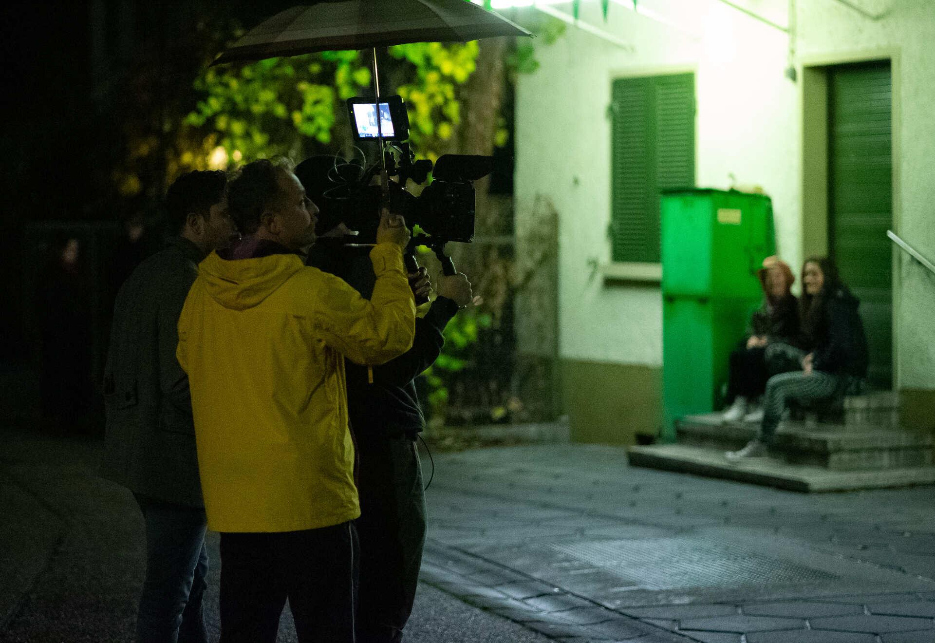 rudeltier filmcrew beim nachtdreh für blaues gold kurzfilm
